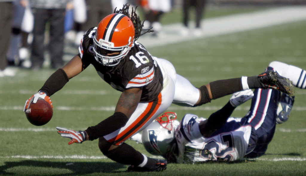 Raiders Offer Cribbs A Contract Following Physical