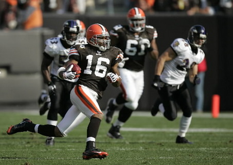 WR/KR Josh Cribbs Inks Deal With Raiders